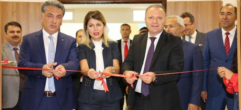 Akdeniz Üniversitesi'nde yeni amfi açılışı...