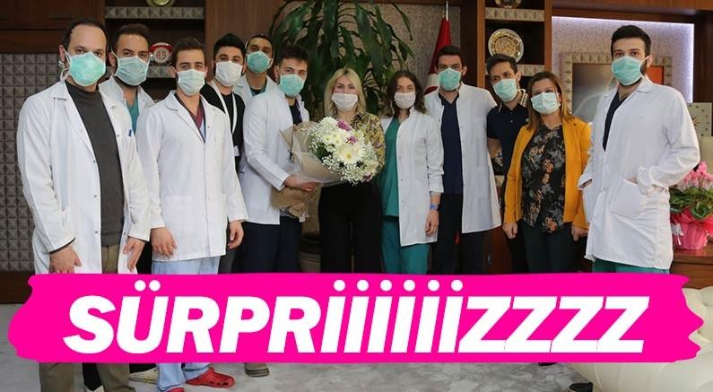 Akdeniz Üniversitesi Rektörü Prof. Dr. Özlenen Özkan'a sürpriz...