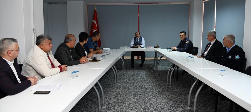 Aksu'da otobüs kazalarının önlenmesi için toplanıldı