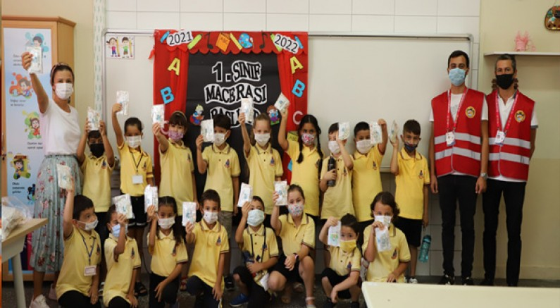 Alanya Belediyesi 12 Bin Dezenfeksiyon Kitini Okullarda Öğrencilere Ulaştırıyor