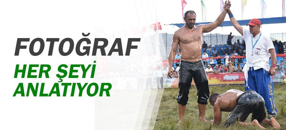 Ali Gürbüz rakibi Osman Aynur'u yenerek 2. kez Gökbel'in başpehlivanı oldu.