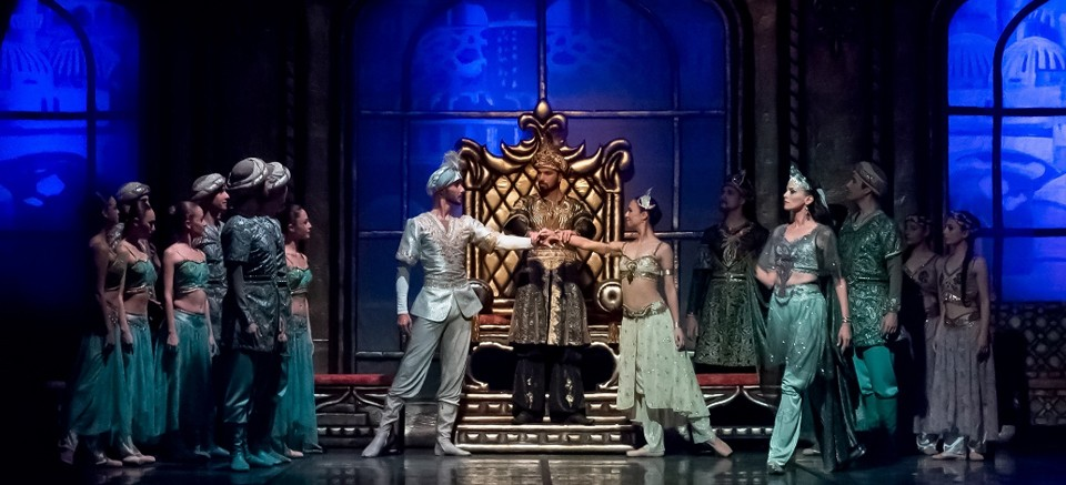 Antalya DOB'da  sezonun ilk balesi 'Şehrazat'