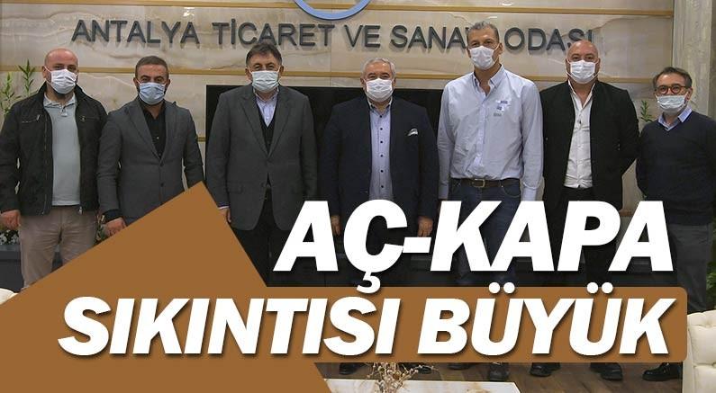 Antalya Gastronomi Yatırımcıları ve İşletmecileri, ''zoru durumdayız'' dedi.