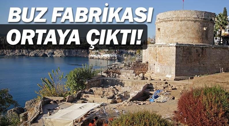 Antalya Hıdırlık Kulesi'nde arkeolojik kazı sürüyor...