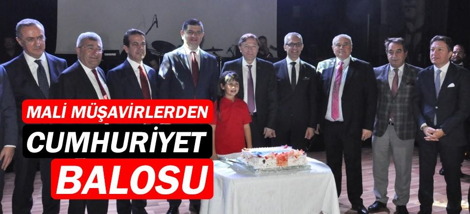 Antalya Mali Müşavirler Odası'ndan Cumhuriyet Balosu
