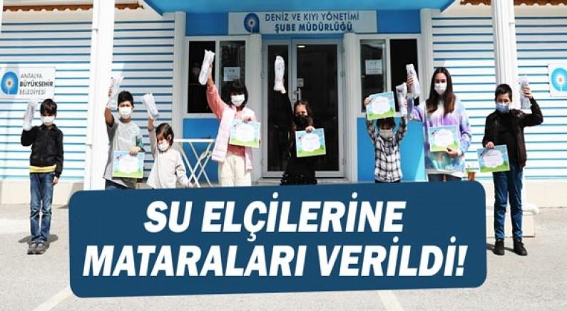 Antalya'nın Çocuk Su Elçilerine matara hediye edildi