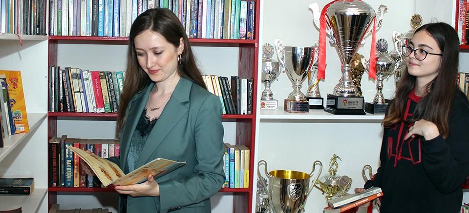 Antalyaspor Kütüphanesi'ne kitap desteği