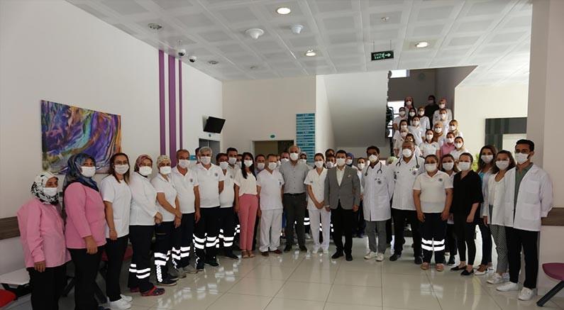 Belediye Tıp Merkezi'nin ruhsatı hekimlere teslim