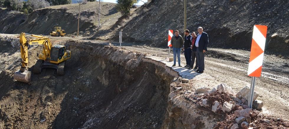 Büyükalan-Dereköy grup yolunda heyelan çalışması