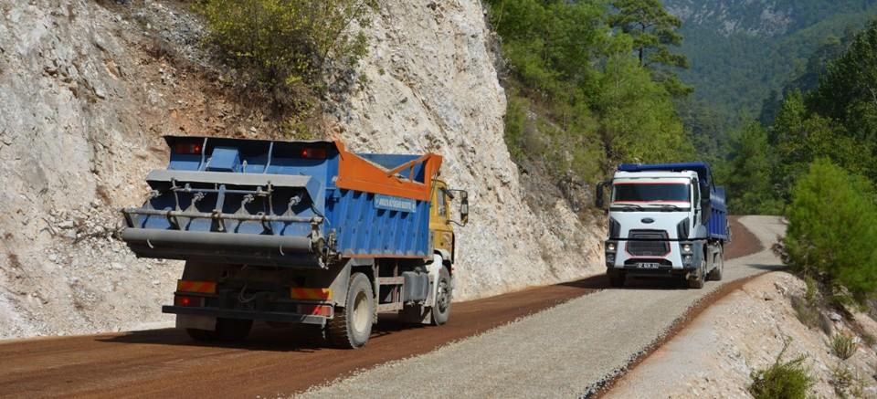 Büyükşehir Belediyesi Alanya Asmaca yolunun asfaltladı