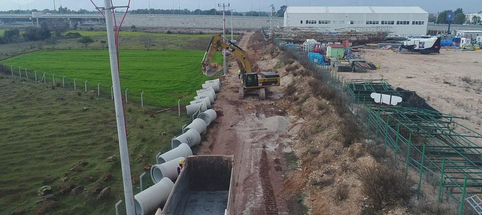 Döşemealtı'nda kanalizasyon çalışmaları hızla ilerliyor