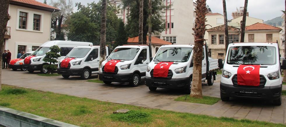 Finike'de yeni araçlar hizmete girdi