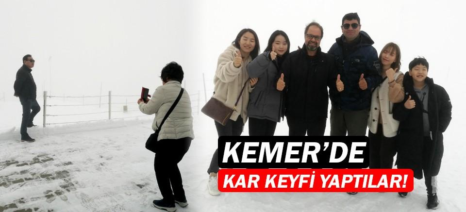 Kemer'e sezonun ilk karı yağdı!