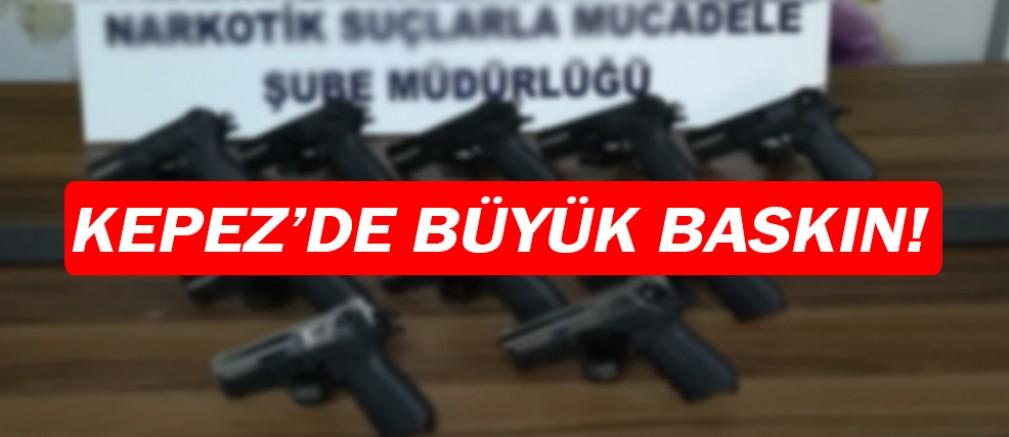 Kepez'de ruhsatsız silah baskını!