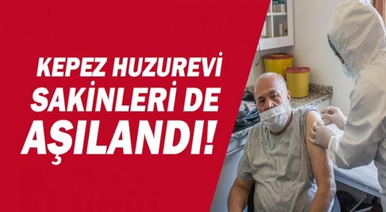 Kepez'in huzurevi sakinlerine Covid aşısı