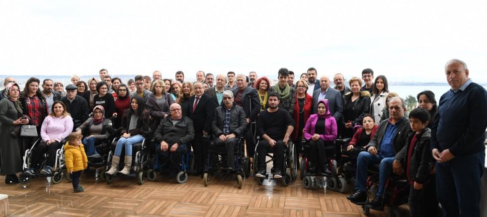 Konyaaltı Belediyesi, engelli derneklerini ağırladı