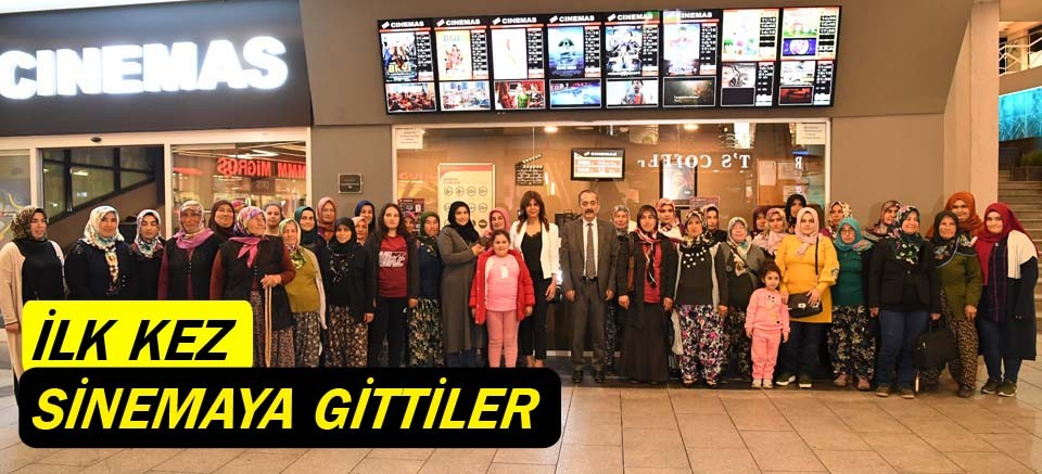 Konyaaltı Belediyesi'yle ilk kez sinemaya girdiler