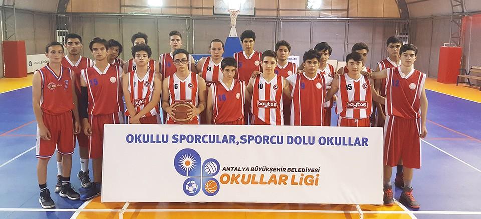 Okullar Ligi'nde final heyecanı yaşanıyor