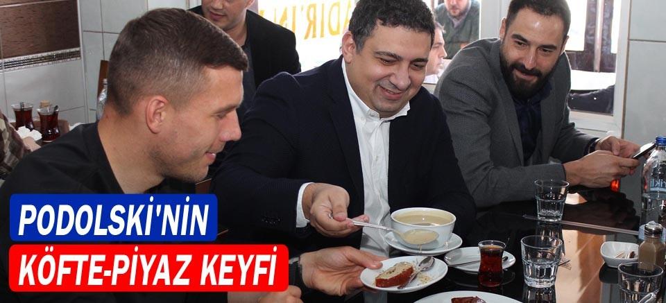 Podolski'nin köfte-piyaz keyfi
