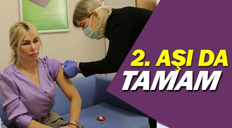 Prof. Dr. Özlenen Özkan'a Koronavirüs aşısının ikinci dozu yapıldı.