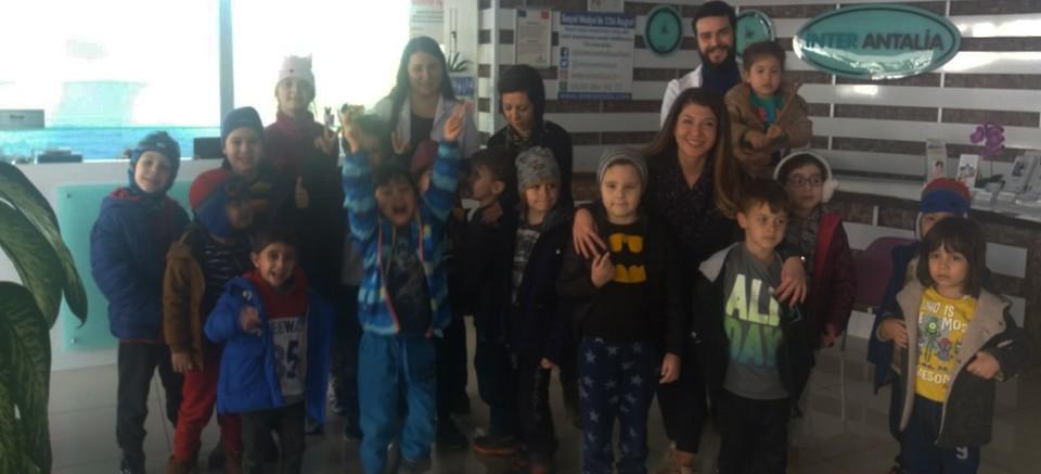 Uluslararası İngilizce Çocuk Kulübü'nden öğrencilerine diş kontrolü